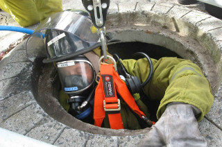 Confined Space  Topman Person High Risk  City & Guilds